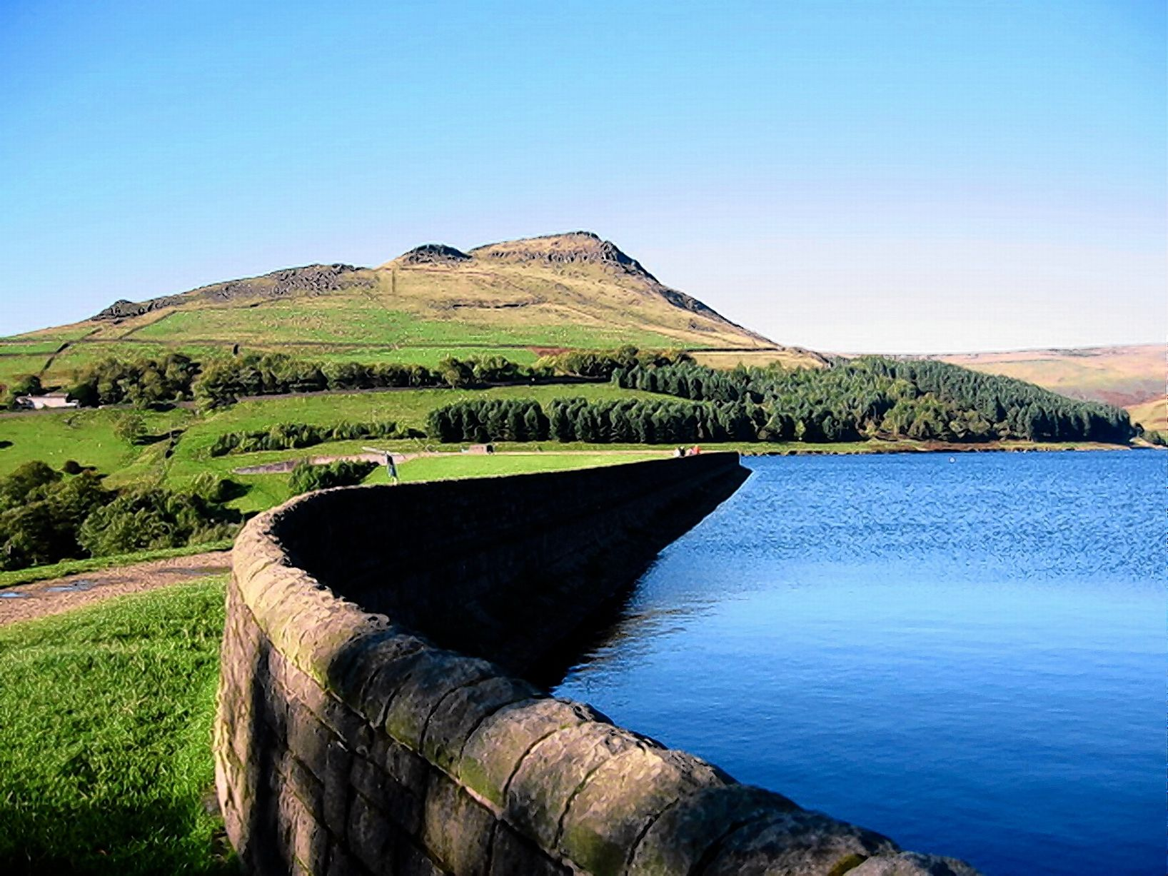 Top dog walks in Manchester according to Gudog - Dove Stone Reservoir